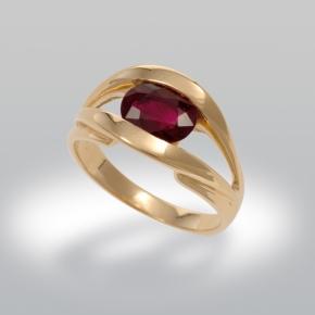 Bague de fiançailles ornée de rubis