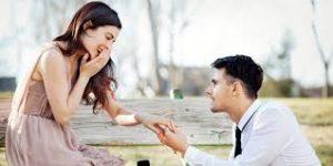 La bague de fiançailles s'offre après deux ans de relation